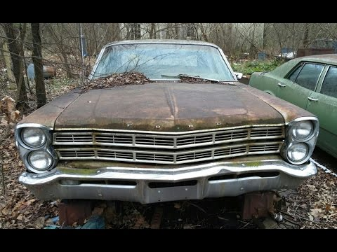 Exploring OLD Abandoned Cars - Chevrolet Impala, Ford Galaxie Fairlane 500