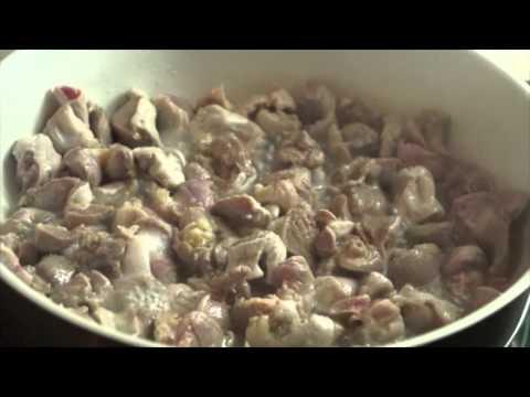 Куриные желудки в томатном соусе, рецепт с фото.