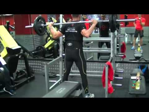 Gary Ross: Body Weight 77.5Kg endurance world record with 80 kg barbell squat 430 reps 1 hour