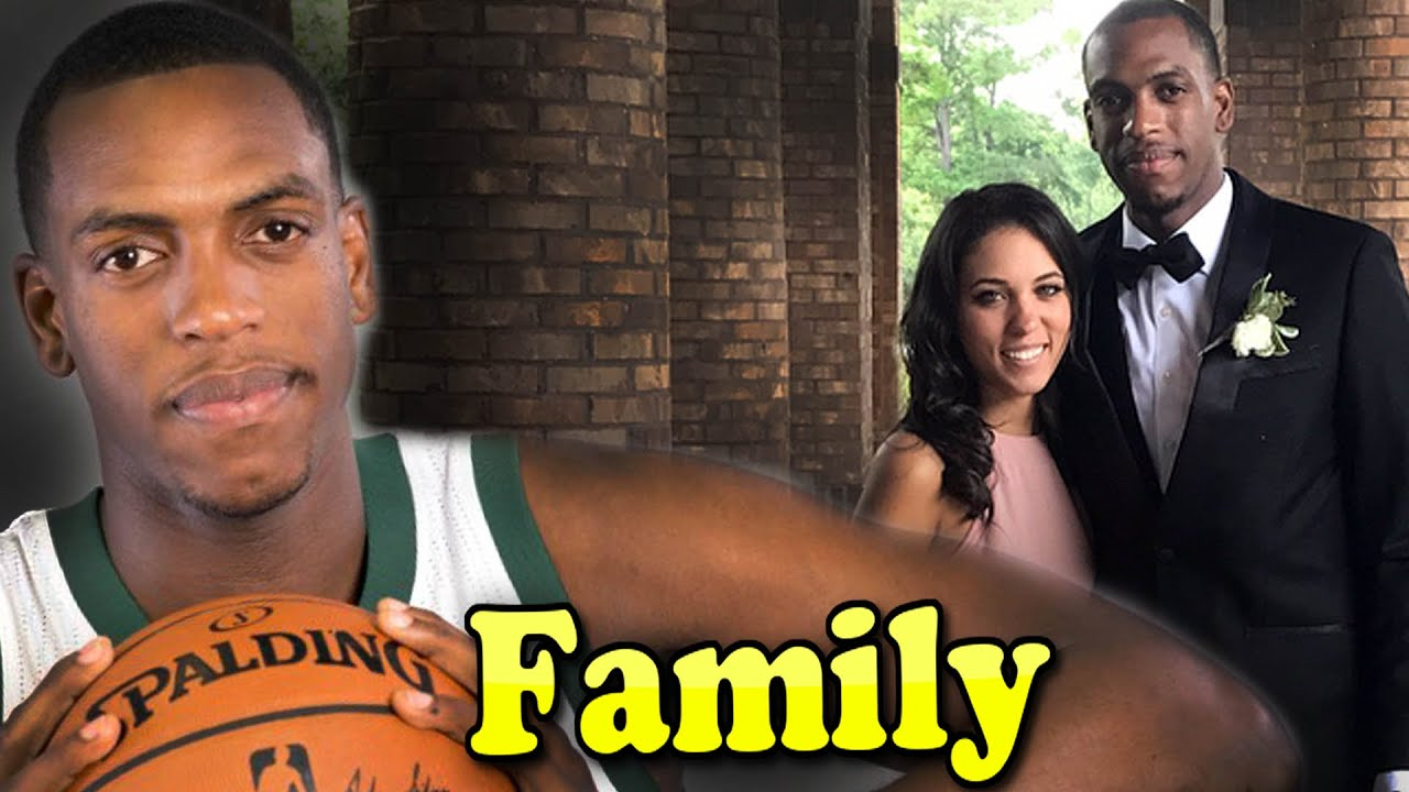 Khris Middleton Family With Father ...