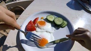 Прикольный завтрак в отеле в Ханье.(Хочу завтракать! В отеле все включено и ничего не выключено:) Завтракаем. Спасибо за пальцы вверх и подписку!, 2016-05-01T15:09:12.000Z)