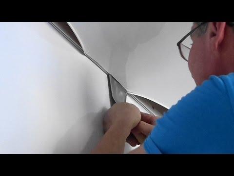 видео: Как самому натянуть  натяжной потолок.