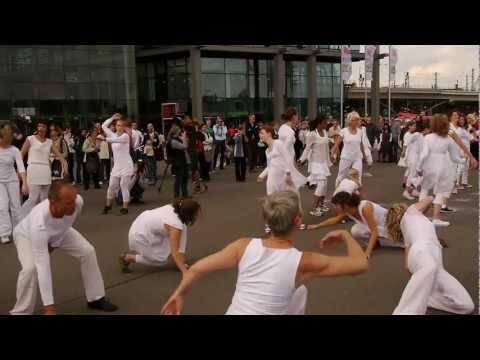 Berlin Hauptbahnhof, Global Water Dances 2011