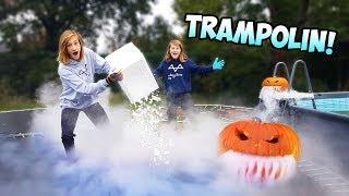 TRAMPOLIN vs TROCKENEIS! (krasses Halloween Experiment!)