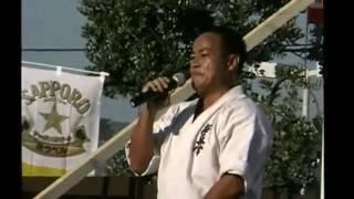 2002年ロサンゼルスにあるロサンゼルス新撰組10周年夏祭りで、緑代表...