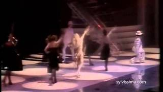 "SYLVIE VARTAN OVATIONNEE (""ENOUGH IS ENOUGH"" PALAIS DES SPORTS 81) STEREO"