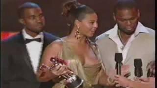 BEYONCE WINS AWARD FOR BEST COLLABO (WWW.LILKIMFANCLUB.COM)