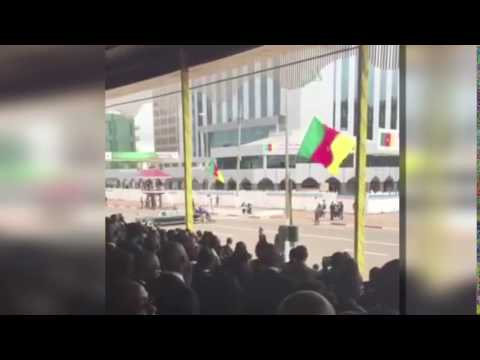 Cameroon: Presidential car breaks down during national ceremony, gets pushed