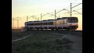 Renfe AVE / Media Distancia - Carrera entre un 592 Camello y un S103 Velaro