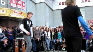 Уличные танцы у Рамуса - тетрис тектоник от Чупа Чупсов(Видео из группы