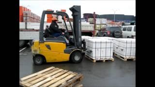 Процесс выгрузки силикатного кирпича http://www.budhaus.kiev.ua(, 2013-11-30T20:23:24.000Z)