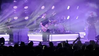 White Lies - Don´t want to feel it all - 03.03.2019 Berlin Huxleys