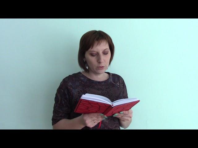 Изображение предпросмотра прочтения – МаргаритаСкарговская читает произведение «Осыпались листья над Вашей могилой» М.И.Цветаевой