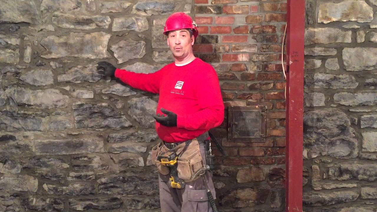 Comment restaurer un mur de moellon youtube - Rejointoyer un mur en pierre exterieur ...