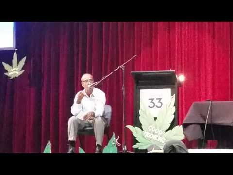 Dr. Andrew Katelaris speaking at the Sydney Medicinal Cannabis Forum March