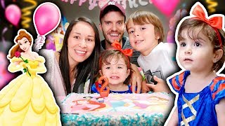 LAURA 2 YEARS OLD BIRTHDAY SPECIAL!! 🎉Disney Princess Party and Presents 🎁
