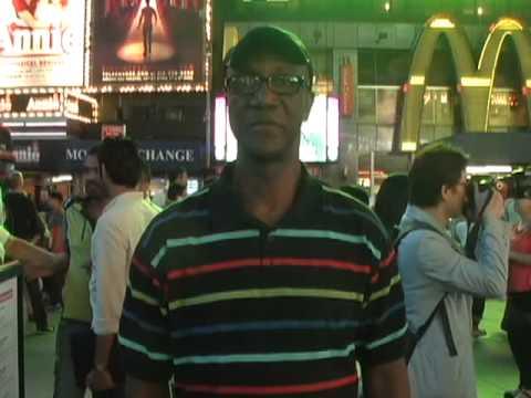 Reportage de Pierre Koutoua à Times Square