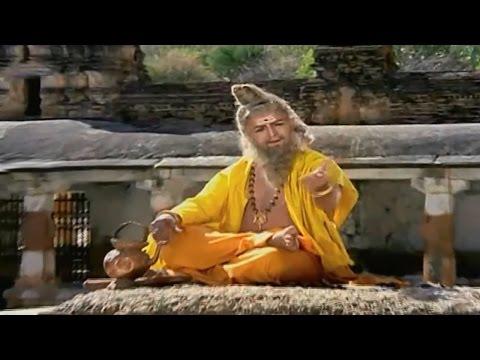 Sri Madvirat Veerabrahmendra Swamy Charitra    Yemaandi Panditulaara Video Song    NTR, Bala Krishna