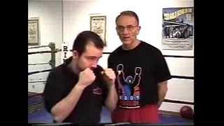 Уроки бокса. Увеличение скорости рук и ударов(http://fightwear.ru/ - Лучшая экипировка для единоборств Для того чтобы увеличить скорость ударов необходимо увелич..., 2013-10-06T08:45:01.000Z)