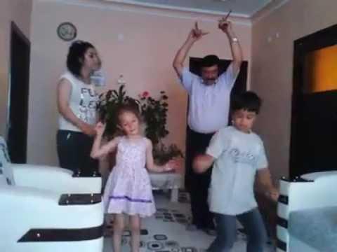 Hanifi berber DÖKTÜRÜYOR!!!