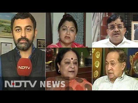 After Jayalalithaa's Death, Did Sasikala Natarajan Mastermind A Midnight Coup?