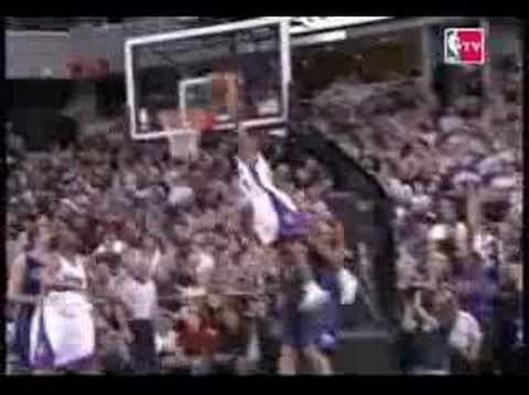 Ronnie Price Dunks On Carlos Boozer - YouTube
