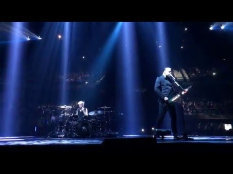 MUSE - Dead Inside (Live Barclaycard Center - Madrid)