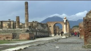 euronews reporter - Who pays the bill for Italy's cultural heritage thumbnail