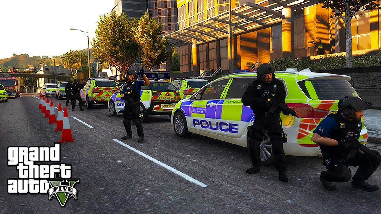 BUILDING SIEGE & RAID (GTA 5 ARMED POLICE) | GTA 5 UK POLICE MODS | LSPDFR  0 4 TBW #226