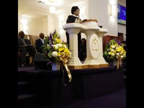 Bishop Iona E. Locke (9/25/16 AM) - Christ Pentecostal Templ
