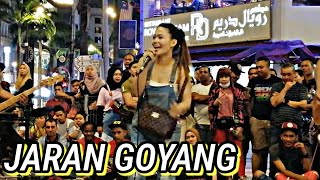 Download lagu Jaran Goyang|Tak tahan kot dengar lagu ni,terus keluar mintak nak nyanyi.