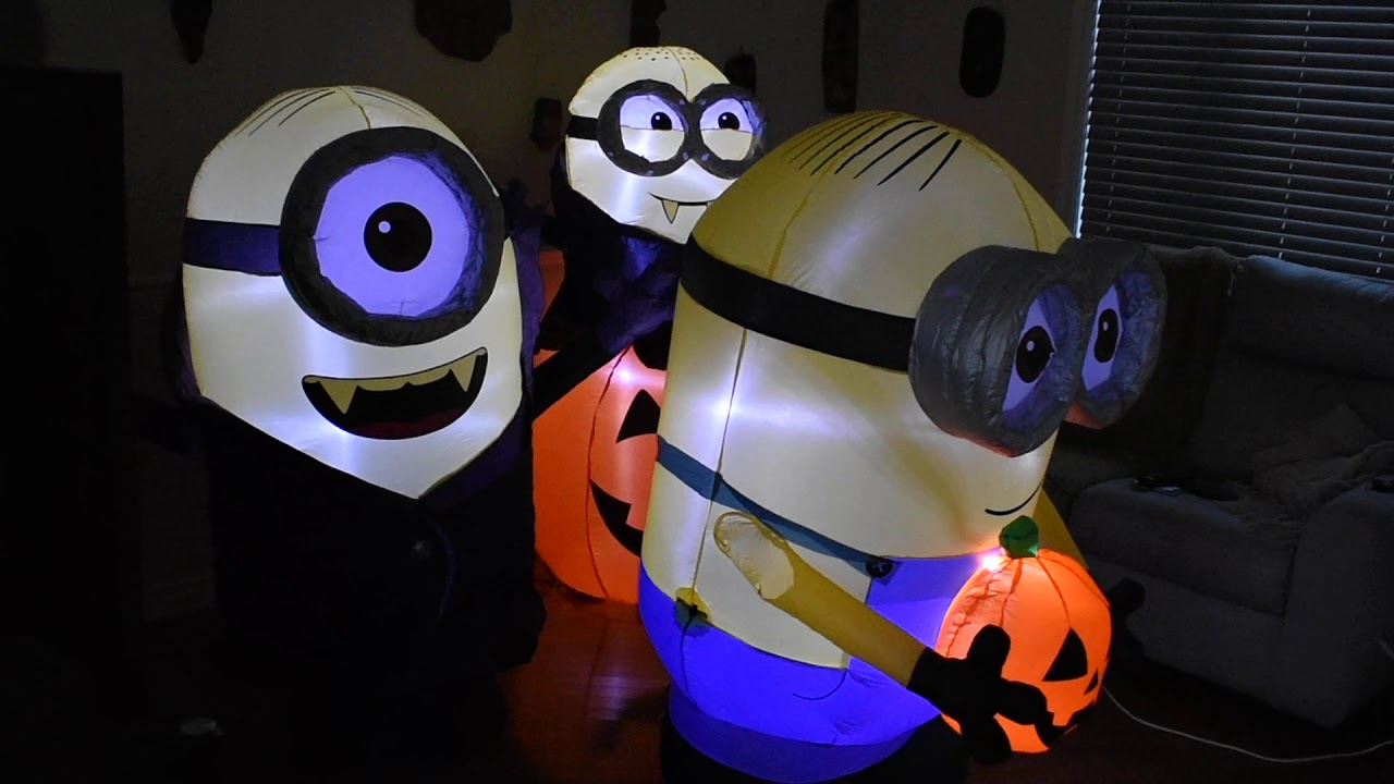 Halloween Inflatable 2 Minion Gone Batty 5 Feet Tall Pumpkin And 1 Dave 4 5 Feet Night Light Youtube