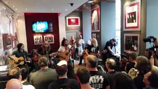 The Dead Daisies   Live at Hard Rock Cafe Vienna   05.06.2015