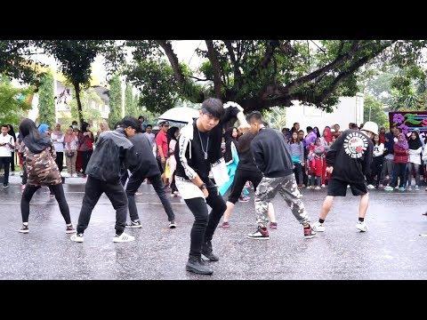 BTS (방탄소년단) 'MIC Drop (Steve Aoki Remix)' -KPOP IN PUBLIC RAIN CHALLENGE(INDONESIA)