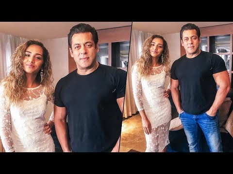 Race 3 | Salman Khan Poses With Gehna Advani At UAE