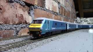 The OO Hornby   Arriva class 67 and  new DVT