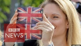 Mobile phones: Data roaming charge ban to go ahead - BBC News