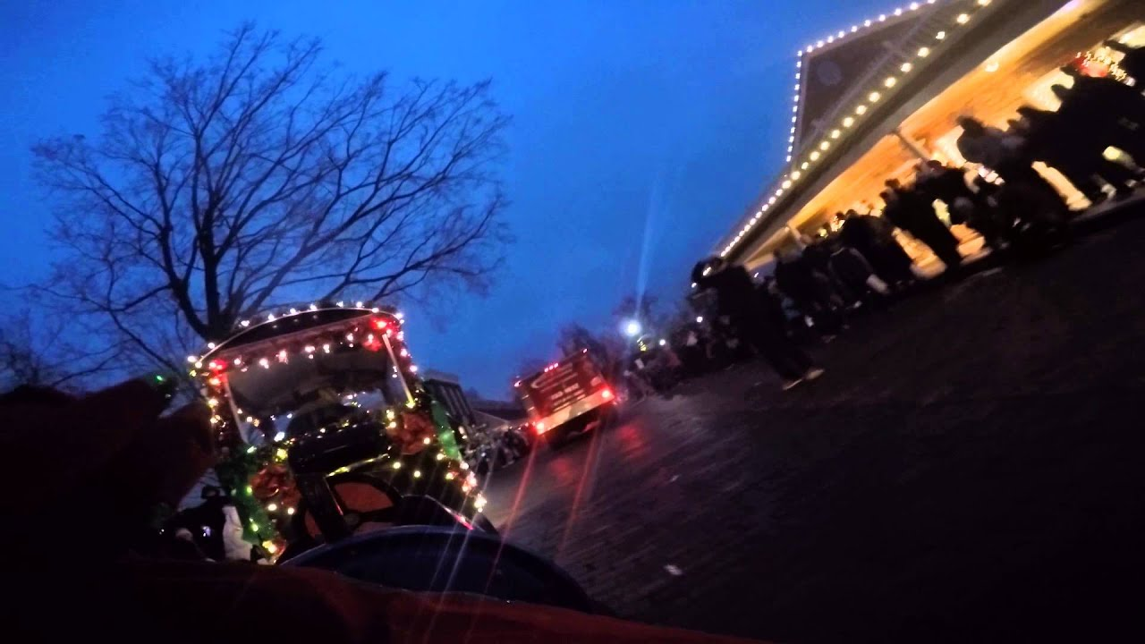 2015 Zionsville Christmas Parade & 2015 Zionsville Christmas Parade - YouTube