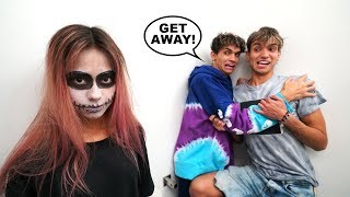 SCARY Halloween Prank on my Boyfriend's ENTIRE FAMILY!