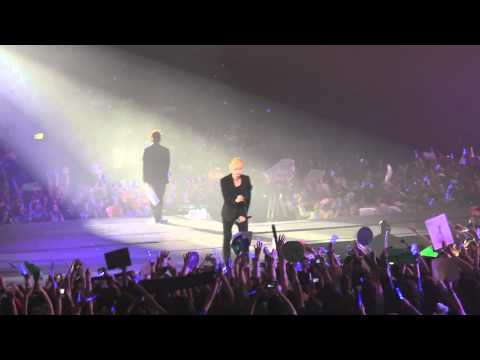 Passage Sung Min et Wookie + Zoom sur EunHyuk au Super Show 4 in Paris