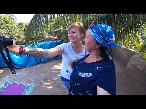 41. Катин рай в Гоа. Крыша с кокосами. Опасный путь домой, полицейский нам помог