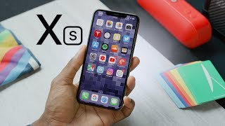 Gambar cover Apple iPhone Xs Review: A (S)mall Step Up!