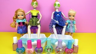 Download Spa ! Elsa and Anna toddlers at beauty salon -  Barbie is hair stylist - nails painting - shopping Mp3 and Videos
