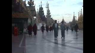 Burma / Myanmar - Shwedagon Pagoda in Yangon 2003