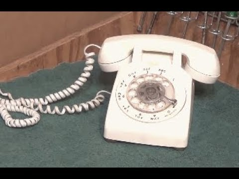 Cleaning a Vintage Western Electric Rotary Dial Desk Telephone