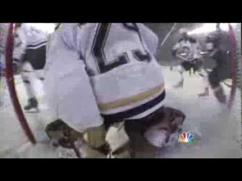 Toews' 2nd Goal Breaks Late Tie, Blackhawks Beat Oilers