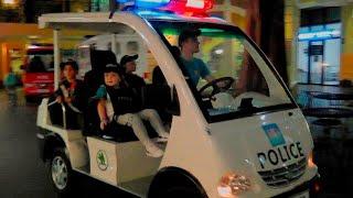 Детская профессия - Полицейский (0+) - Давид помогает ловить преступника !!!