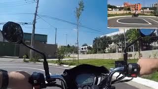 Uma aula de moto de um jeito que você nunca viu
