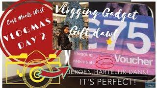 🎄VLOGMAS Day 2️⃣ New Camera Gadget or Ringlight? | VLOGCAM | Vlogging Essentials Gift by Jeroen
