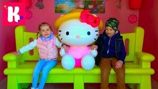 ВЛОГ в парке кошечки HELLO KITTY Машинки Хелоу Китти и много подарков мороженое Видео для детей